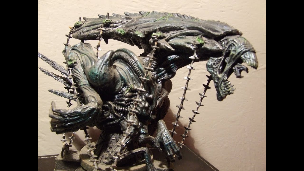 Palisades Alien Vs Predator Captive Alien Queen Model