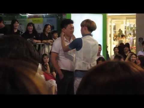 Hong Gay Korea Street Performers Seoul Korea