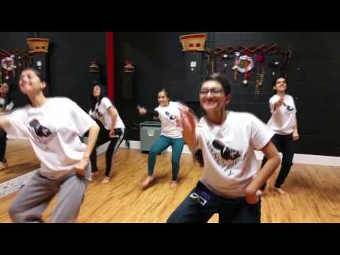 AMAZING BHANGRA DANCE - Paranda Kaur B - VanCity Bhangra Girls
