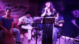 Thu Quyến Rũ - Live at Six Strings