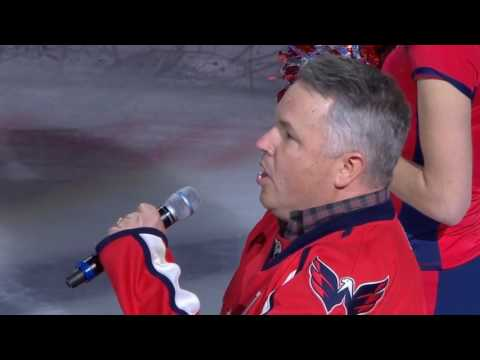 Caps anthem singer Bob McDonald sings 'O Canada' in French