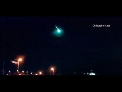 Bright fireball exploded with Loud Boom Over Texas into a brilliant shade of turquoise