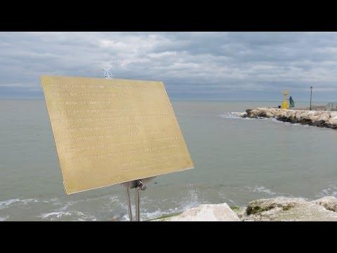 Rimini, inaugurata la 'Biblioteca di pietra'. Aperto il nuovo camminamento sul molo di levante