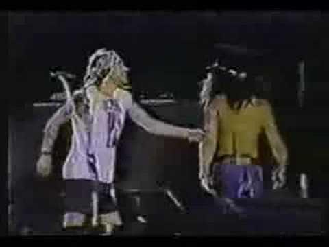 aac463ba90 Axl and slash last hug - YouTube