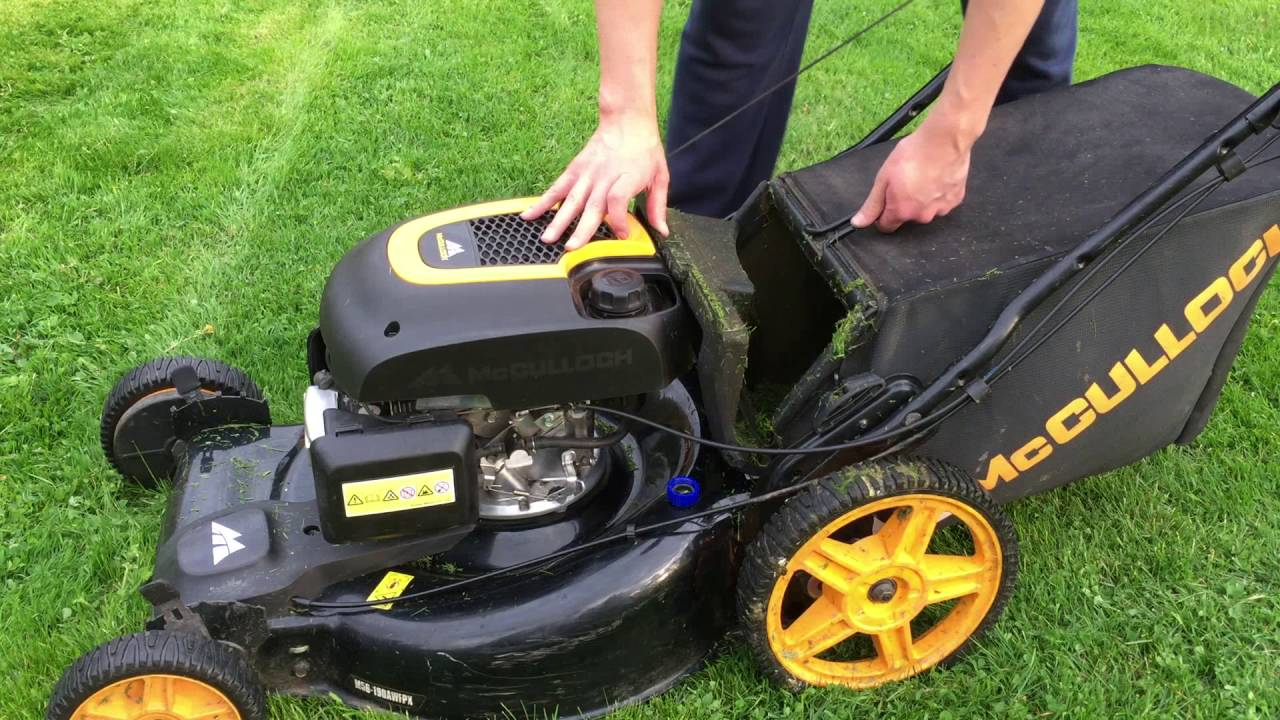 spring time mowing with mcculloch m56 190awfpx youtube. Black Bedroom Furniture Sets. Home Design Ideas
