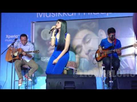 Galau - Citra Scholastika live @ X2 Equinox Xperia Miro Launching
