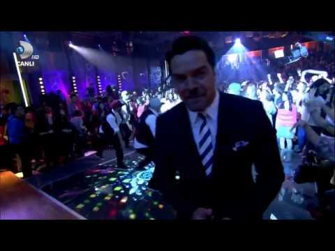 Hadise   Aşk Kaç Beden Giyer II Beyaz Show 04 11 2011