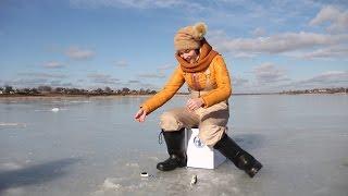 Зимняя рыбалка Ловля окуня зимой на мормышку Днепропетровск видео