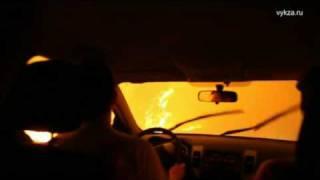pożar lasu w rosji , samochodem przez płonący las, śmierć w oczach