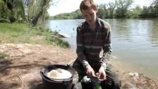прикормка для карася, приготовление прикормки(Приготовление прикормки для ловли карася и плотвы - очень важный этап рыбной ловли. Именно прикормка может..., 2013-05-16T10:24:45.000Z)