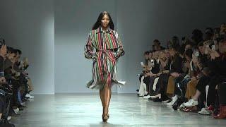 """Модельер из Нигерии взял """"штурмом"""" неделю моды в Париже"""