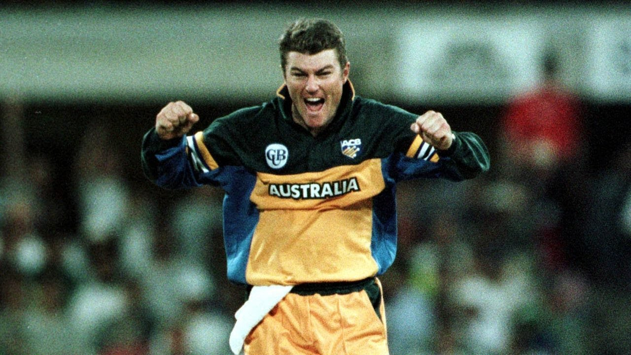 From the Vault: MacGill four mauls Pakistan in 2000 - YouTube