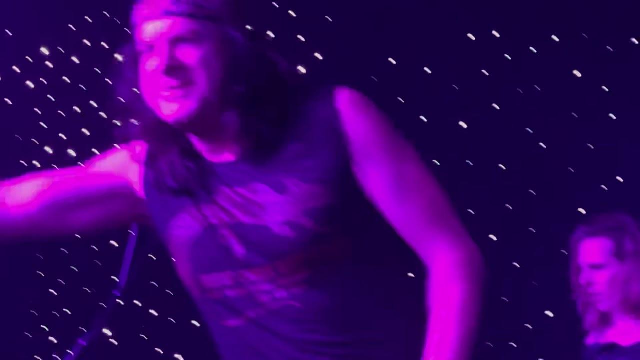 Vain frontman Davy Vain recalls getting 'rock is dead' call