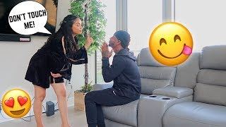 YOU CAN LOOK, BUT YOU CAN'T TOUCH PRANK ON BOYFRIEND!