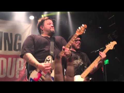 [HD] Bowling For Soup - The Bitch Song (Live at House of Blues Anaheim)