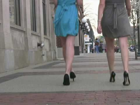 MTF Transgender / Crossdressing Tips - Feminine Movement Mistakes to Avoid
