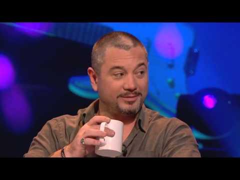Buzzcocks - Huey Morgan smashes mug and walks off