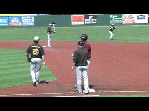 4/17/16 - Baseball - UW-Oshkosh 9, UW-La Crosse 10