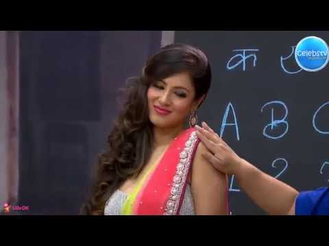 Pooja Bose Bouncing Melons and Navel Show
