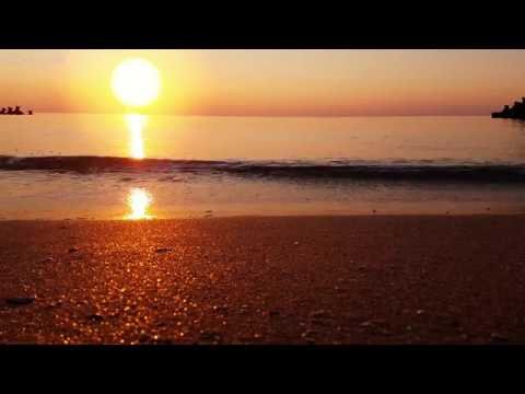 Relaxing Sounds of Calm Sea Waves at Sunrise - 10 Hours 4K Video for Relaxation, Meditation & Sleep