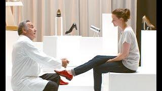 """靴工場を舞台に""""赤い靴=戦う女""""を履いた女たちが人生を切り開く、心躍..."""