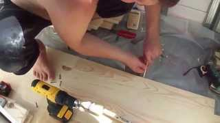 видео Деревянный пол из шпунтованных досок: процесс укладки и крепления