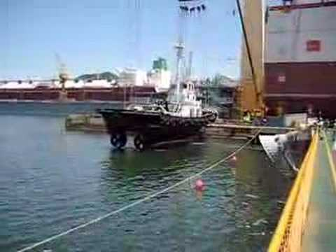 lifting ship on yard