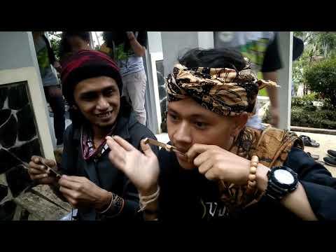Instrumen Musik Karinding Celumpung   Mojang Priyangan