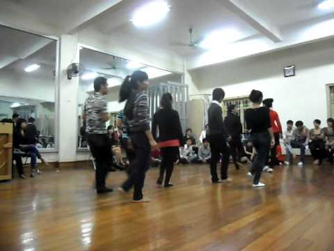 Hanoi College of Art...Thi nhảy 3