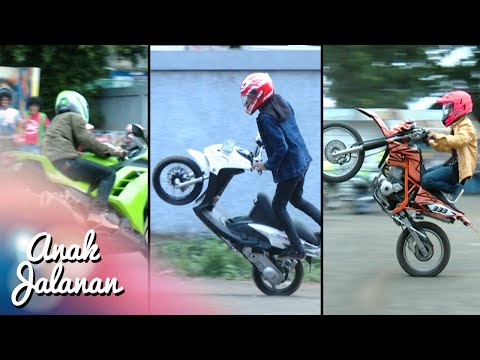 Boy, Mondy Dan Tristan Adu Gaya Freestyle Motor [Anak Jalanan] [4 Januari 2016] thumbnail