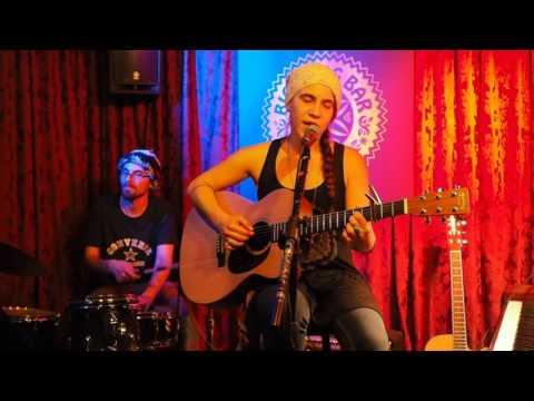 LIVE MUSIC BARCELONA - BIG BANG BAR - OPEN MIC