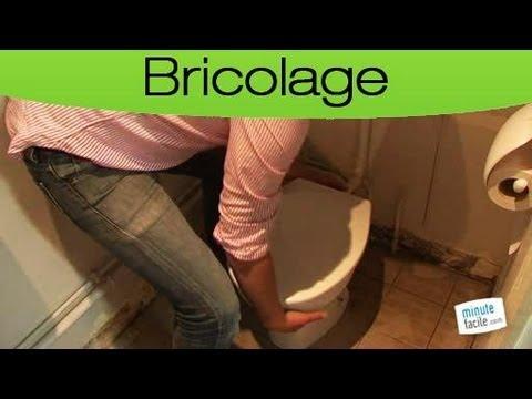 Comment démonter une cuvette de toilette ?