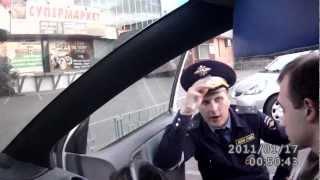 Инспектор Ивченко сломал замок зажигания.