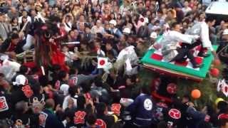 20131013 愛媛県・三瓶町の秋祭り クライマックス牛鬼vs四つ太鼓