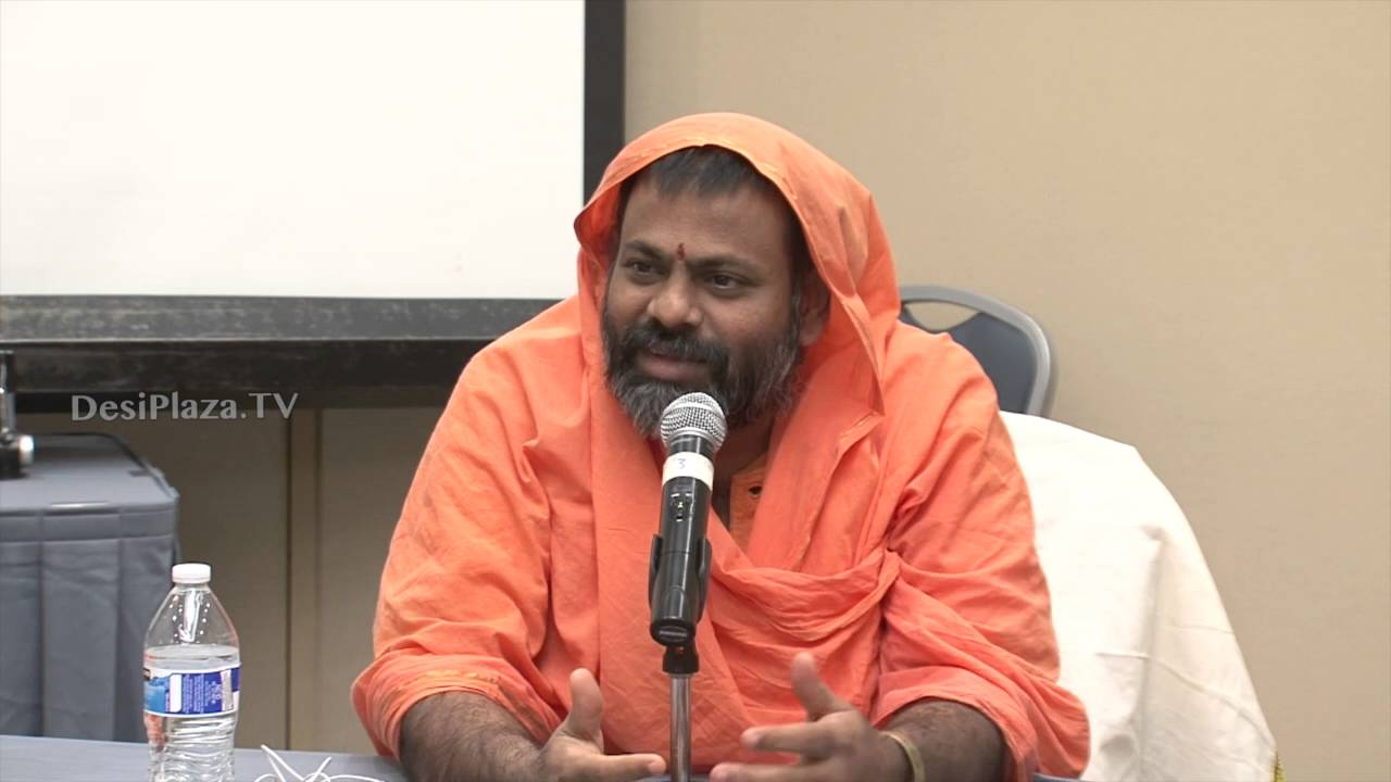 Sri.Paripurnananda S|wamy giving Pravachanam at ATA Convention,Chicago.