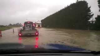Новая Зеландия, наводнение, июнь 2014 г.(Новая Зеландия, восточная часть Южного острова, первая федеральная трасса в 30 км. от самого крупного города..., 2014-06-12T06:46:34.000Z)
