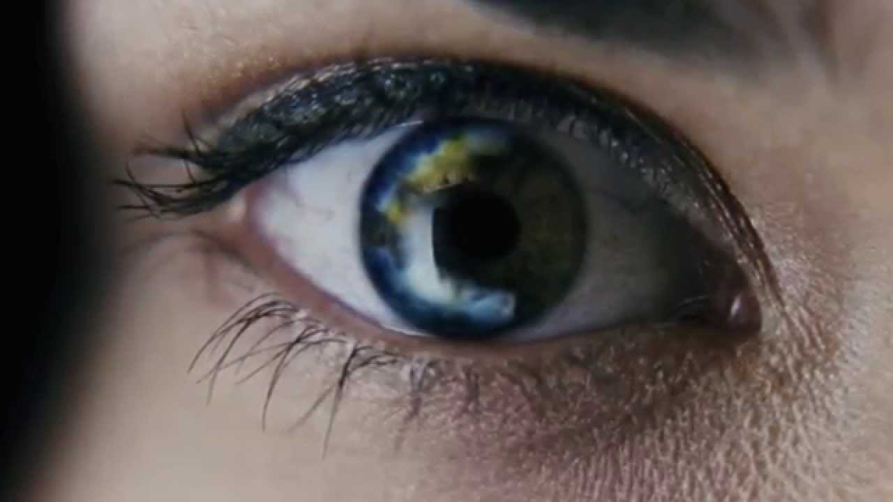 Consumer Updates > 'Colored' and Decorative Contact Lenses