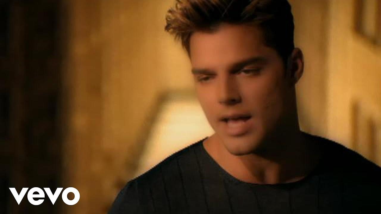 Ricky Martin - Vuelve (Video (Spanish) (Remastered))