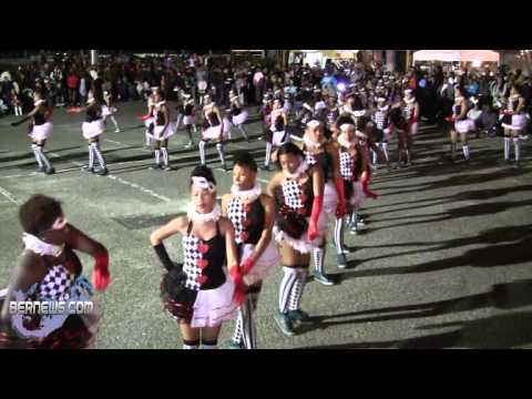 Exquisite Styles At St Georges Santa Parade, Dec 8 2012