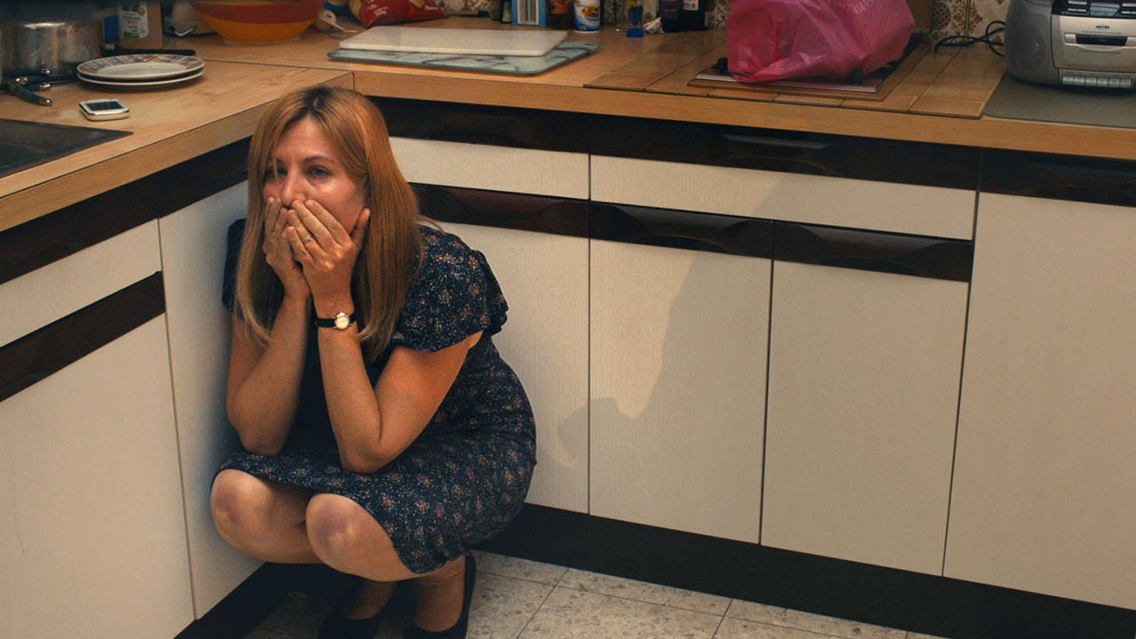 Jeune fille cherche appartement bande annonce