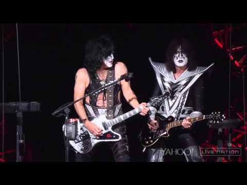Kiss - Lick It Up (Live Charlotte 2014)