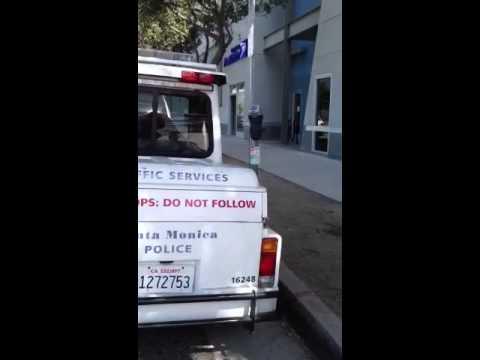Santa Monica police in handicapped spot?