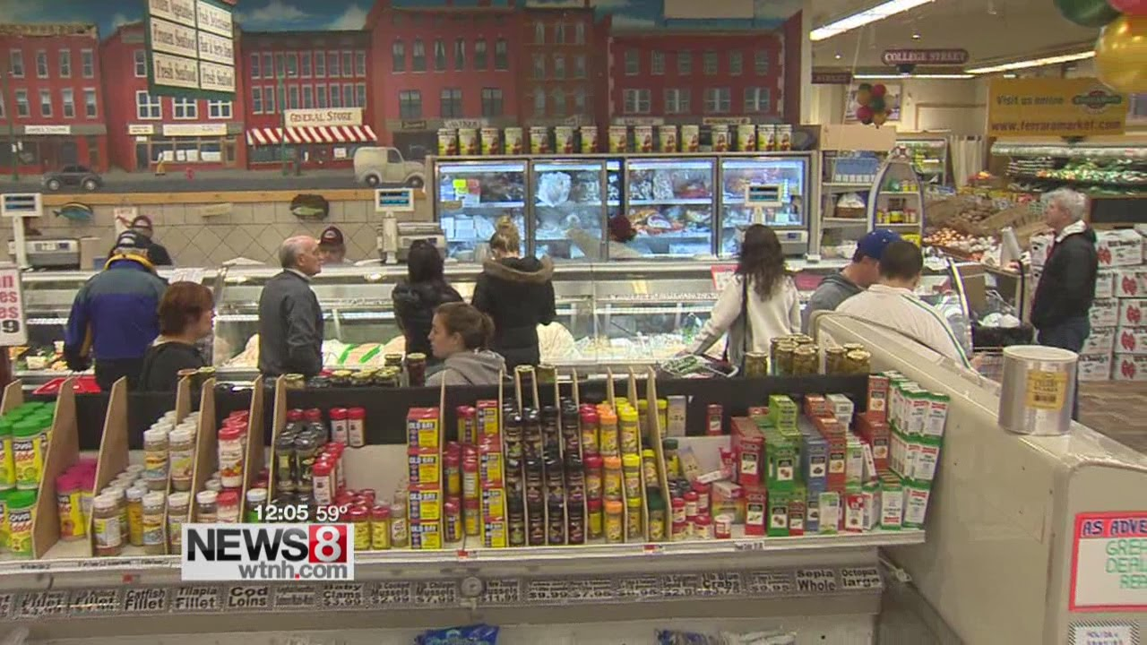 christmas eve is a busy day for grocery stores - What Supermarkets Are Open On Christmas Day
