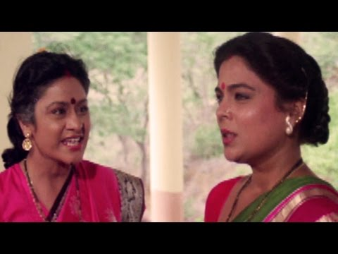Aruna Irani and Reema Lagoo's silly fights - Qaid Mein Hai Bulbul, Comedy Scene 1/13