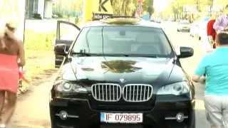 Nicolae Guta si Roxana Printesa Ardealului - Jeep image