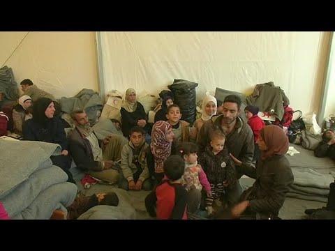 آلاف السوريين يواصلون النزوح من مناطق القتال في الغوطة الشرقية  - نشر قبل 3 ساعة