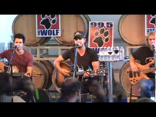 luke-bryan-i-dont-want-this-night-to-end-live-wolf-portland