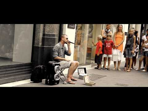 Dave Crowe from Britain's Got Talent, dubstep street beatboxer, Paris.