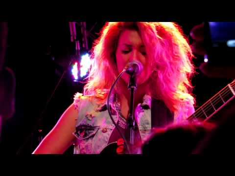 Tori Kelly - Stained (Live in Downtown Nashville)