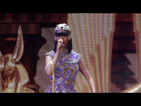 Katy Perry - Dark Horse - Live in Lyon (The Prismatic World Tour)